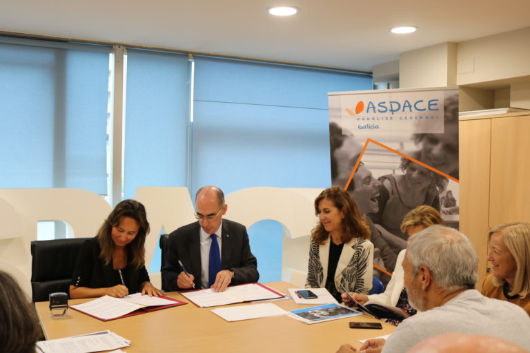 Firma en ASPACE Galicia del convenio de colaboración con la Consellería de Sanidade y el Servizo Galego de Saúde