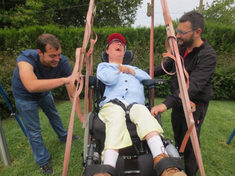 Entidades sociales de la discapacidad reciben una ayuda extraordinaria para afrontar el impacto económico del nuevo convenio de centros de atención a personas con discapacidad